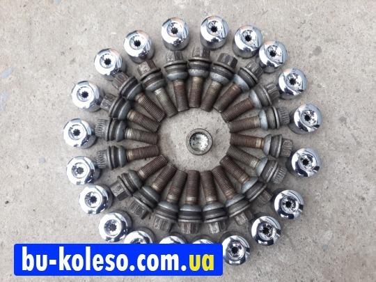 Болты колесные Vw T5 T6 оригинал 14x1.5 c секретками и колпачками