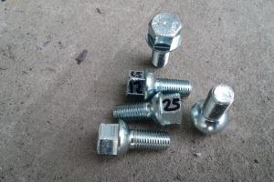 Болт колесный 12х1.5