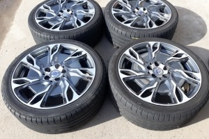 Диски R18 5x108 Volvo V40 XC40 шины 225/40R18  8641001